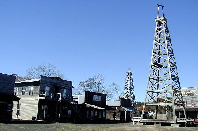 Spindletop/Gladys City Boomtown