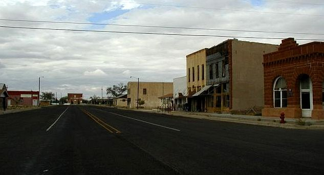 Downtown Barstow at rush hour!